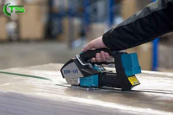 دستگاه تسمه کش در صنعت بسته بندی